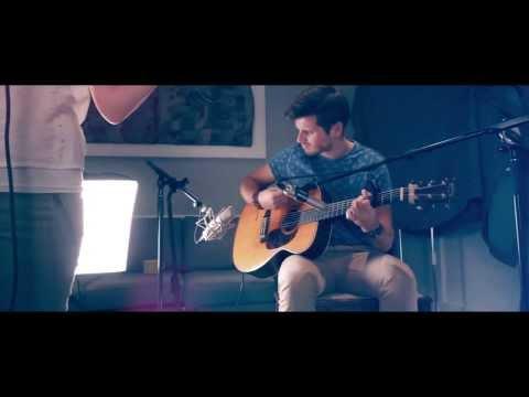Crazy- Gnarls Barkley [Junia LIVE Acoustic Cover]