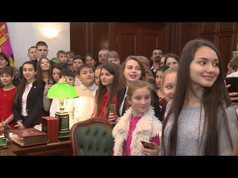 150 de elevi eminenți au vizitat Președinția Republicii Moldova
