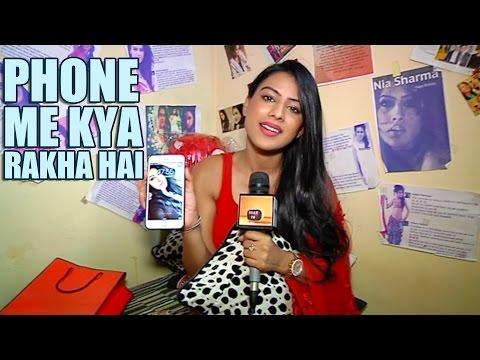 Nia Sharma ke Phone Me Kya Rakha Hai