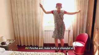Parodia galega do vídeo Chandelier de Sia.