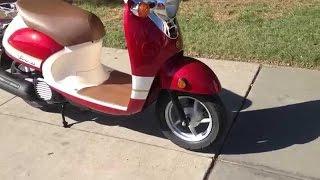 6. 2015 Yamaha Vino Classic Scooters