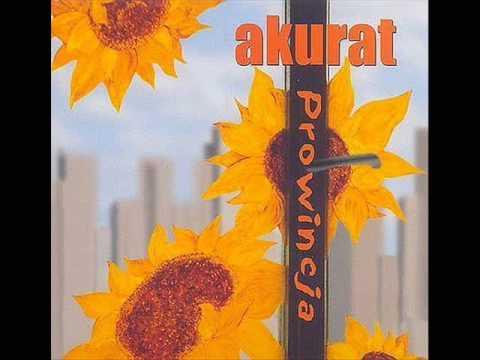 Tekst piosenki Akurat - Wolny 2003 po polsku