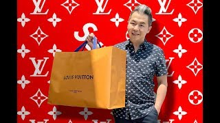 In this very special episode of Mr. Jan All In One! Steve has found his way to the very exclusive global launch of the Louis Vuitton Supreme Collection at the Los Angeles LV Pop Up Store. It was truly a unique experience and Steve details ever moment of his limited 20 minutes in the pop up store. To finish off the video, Steve unboxes his two very cool purchases ... you are going to love it!Just call before you go . Incase i was wrong  xoxoOpen July 14.BEIJING北京 798Beijing, China CALIFORNIA833 East 3rd StLos Angeles, CA 90013295 N Rodeo DrBeverly Hills, CA 90210South Coast Plaza3333 Bristol StLevel 2, Costa Mesa, CA 92626Macy's233 Geary StSan Francisco, CA 94102CANADAVancouver Hotel730 Burrard StVancouver, BC V7Y 1E4FLORIDAMiami Design District Store, 3rd Floor140 NE 39th StreetMiami, FL 33137Aventura Mall, Space 202919575 Biscayne BoulevardAventura, FL 33180HAWAIIAla Moana Center1450 Ala Moana BlvdHonolulu, HI 96814LONDON180 The StrandLondon, UK WC2R 1EANEW YORK1 E 57th StNew York, NY 10022116 Greene StNew York, NY 10012PARIS10 Rue BoucherParis, France 75001SEOUL454 Apgujeong-ro, Gangnam-guSeoul, South KoreaSYDNEY95 Roscoe StreetBondi Beach, NSW 2026TEXAS5175 Western AveHouston, TX 77056TOKYOC-1, 5-3-18Minami-Aoyama, Tokyo 107-0062Steve Jan Contact Information:Facebook: https://www.facebook.com/MrJanAllInOneTwitter: https://twitter.com/MrJanAllInOneBlog: http://www.mrjanallinone.comInstagram: http://instagram.com/mrjanallinone