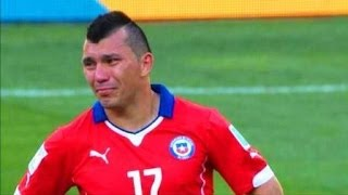 Video GARY MEDEL llora desconsolado tras eliminación de Chile GRANDE GARY MP3, 3GP, MP4, WEBM, AVI, FLV Oktober 2017