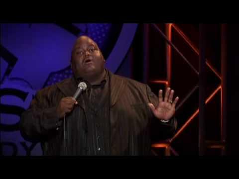 "StandUppia: Lavelle Crawford – ""yo mama"""