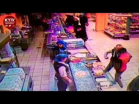 Убил одним ударом из-за конфликта в супермаркете