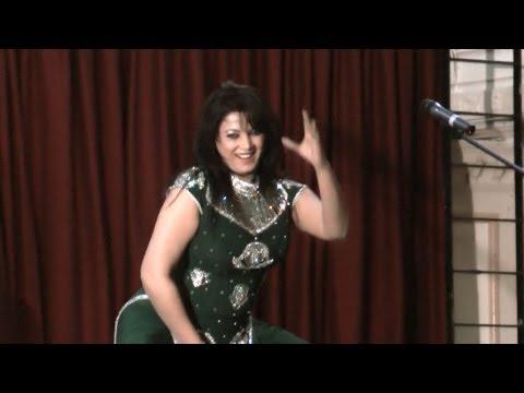 Video Zara Akbar Beautyful stage dance on song Doodh Makhana Di Pali download in MP3, 3GP, MP4, WEBM, AVI, FLV January 2017