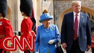 Video Trump criticized for his stroll with Queen MP3, 3GP, MP4, WEBM, AVI, FLV Juli 2018