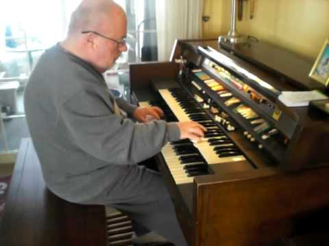"Mike Reed plays the Gospel song ""Oh Happy Day"" on the Hammond Organ"