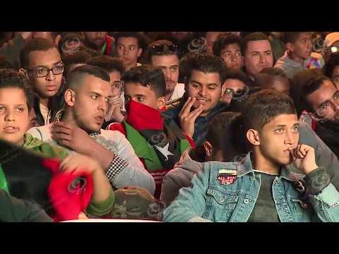 متابعة الجمهور الليبي لمبارة المنتخب الوطني أمام المنتخب المغربي