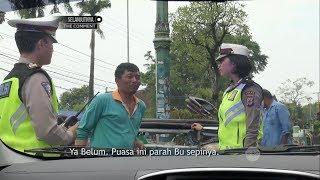 Video 2 Polisi Ini Terharu Setelah Mendengar Keseharian Tukang Becak Motor Ini -86 MP3, 3GP, MP4, WEBM, AVI, FLV Januari 2019