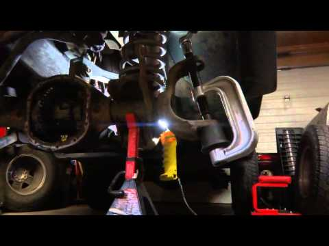 Jeep Ball Joint Replacement How Too (DIY)