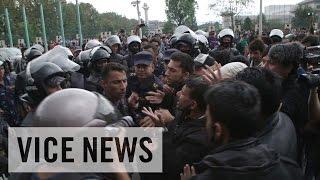 ネパール大地震その後(2)混乱するカトマンズ 政府に憤怒する国民