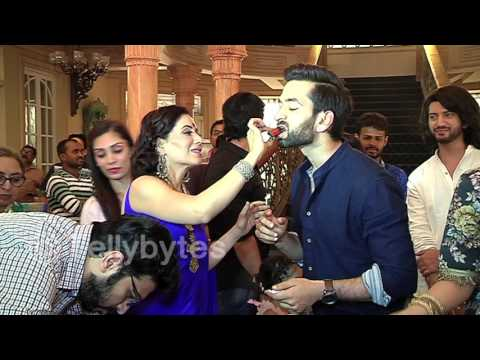 Shivaay's birthday Celebration on the sets of Ishq