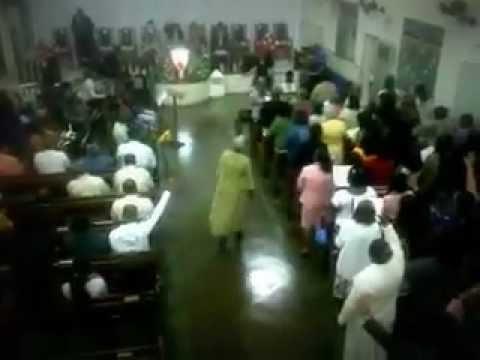 2011- Irmã Pequena regendo a Cibe em Capelinha só glória