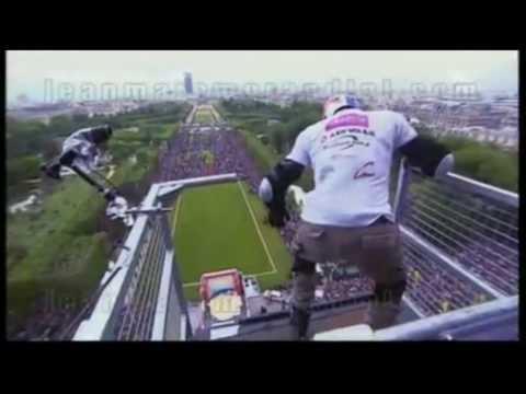 Taig Khris Record Mundial al saltar de la Torre Eiffel