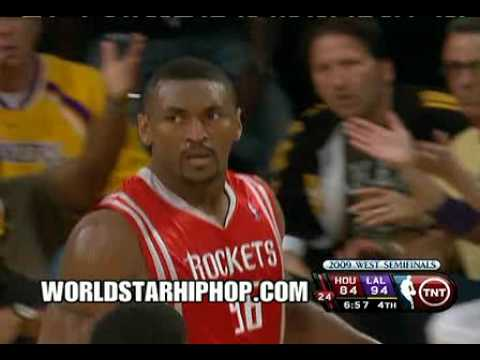 Ron Artest about to choke kobe!
