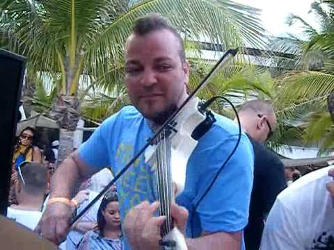 Robbie Rivera & Micah The Violinist - Juicy Beach 2009