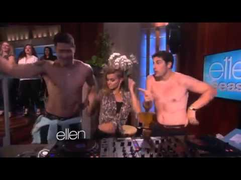 Video Jason Biggs, Carmen Electra and Ellen's Son Bust a Move2401 download in MP3, 3GP, MP4, WEBM, AVI, FLV January 2017