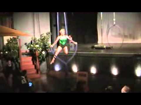 Miss Scarlett O'Harlett - shemoves Burlesque Ball