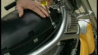 6. Changing a Battery on a Harley Davidson : Harley Davidson: Removing the Seat & Cover