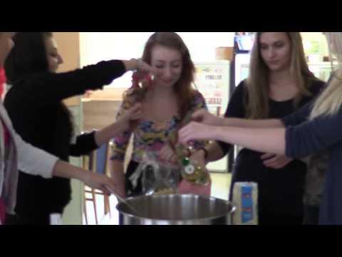 2014 - Príprava nápoja na Imatrikulácie
