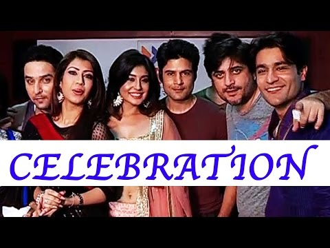 Reporters celebrates its completion of 100 episode