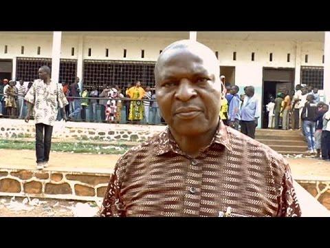 O Φόστιν Αρκέϊντζ Τουαντέρα κερδίζει την προεδρία της Κεντροαφρικανικής Δημοκρατίας