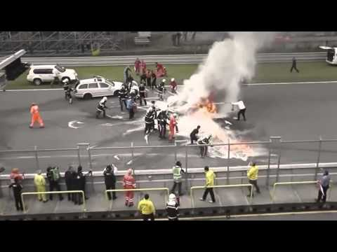 Choque e incendio de un Lamborghini vs Indy 500 (Cold Fire)