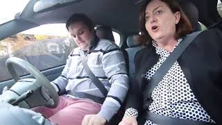 Driving lessons with mom and dad - 989272