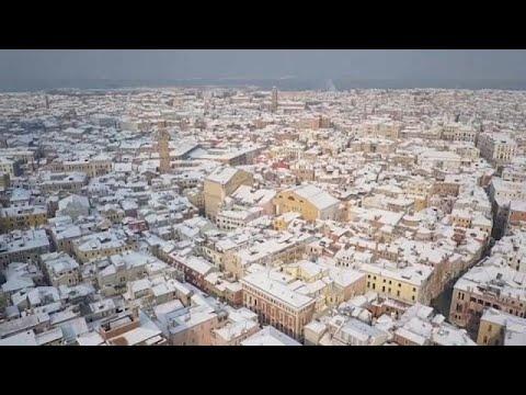 العرب اليوم - شاهد: مناظر من الجو لمدينة البندقية تغطيها الثلوج