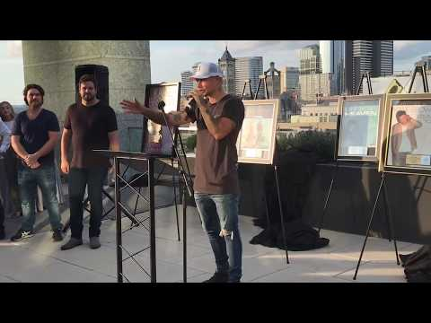 "Kane Brown Celebrates No. 1 Song ""Heaven"" On Nashville Rooftop"