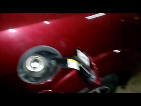 как снять крышку с бензобака форд фокус 1