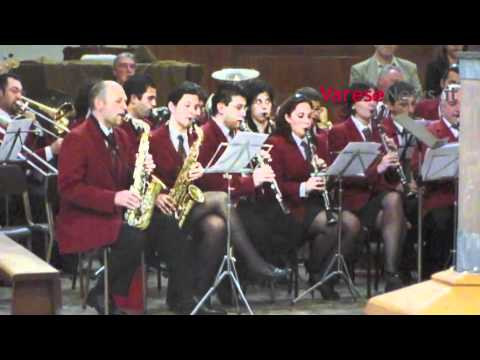 L'omaggio della banda musicale di Uboldo a Simone Pagani