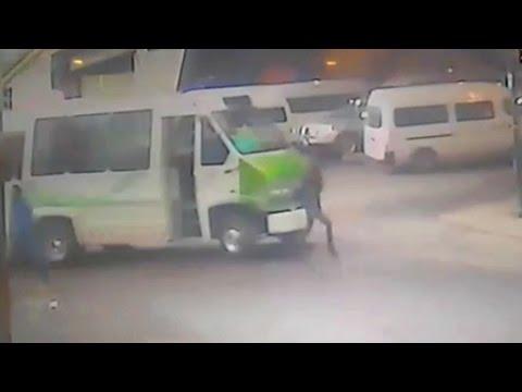 Microbús atropella a mujer en Río San Joaquín