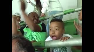 Olha só a reação do Menininho Quando Sai o Gol Do Mini PalxSan Kkk