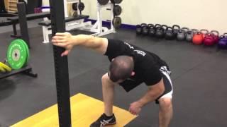【腰痛や捻挫にも!?】背中の柔軟性が低下することで起こるケガのリスクとは?