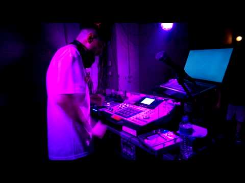 Eversor on the MPC (Live at K44, Athens)