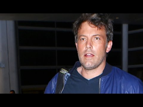 Ben Affleck Flies Back To LA For Father's Day With His Kids