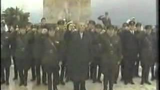 Enver Hoxha - Nderon Deshmoret E Atdheut
