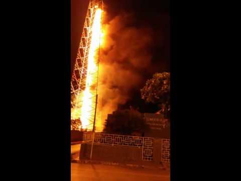 Incêndio destrói central telefônica em Corrente-PI