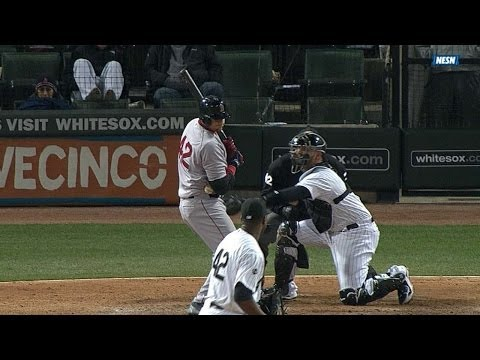 Video: Pierzynski catches ball while batting