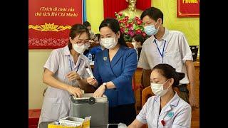 Lãnh đạo tỉnh kiểm tra công tác tiêm vắc xin phòng Covid-19 tại TP Uông Bí