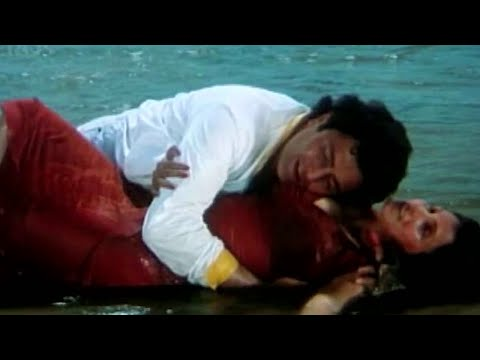 Video Kuch Kuch Locha Hai   Sunny Leone Caught Seducing Ram Kapoor download in MP3, 3GP, MP4, WEBM, AVI, FLV January 2017