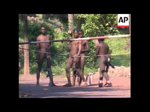 RWANDA: ARMY INVADES ZAIRE AS FIGHTING ESCALATES