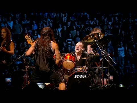 Download Lagu Metallica - Master Of Puppets (Live) [Quebec Magnetic] Music Video