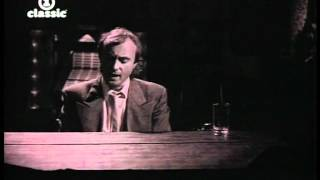 Phil Collins - One More Night vídeo clip