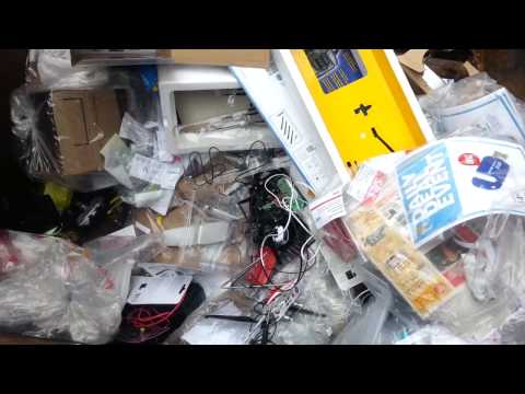Dumpster Diving! Episode One – Live Dive @ The Source (RadioShack) +Extras!  ELECTRONICS HAUL!!!