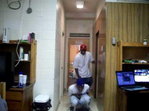 Getting Buck In Da Dorm Room W/ BLOOPERS!! TOO FUNNY!!