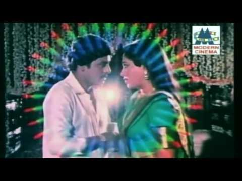 Video Malliga Poo Song Ramarajan Rupini Ilaiyaraja Ooru Vittu Ooru Vanthu download in MP3, 3GP, MP4, WEBM, AVI, FLV January 2017